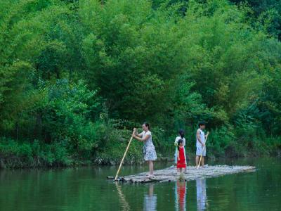 黄磊:志守碧水蓝天 锐意创建示范河湖