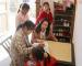 柳林乡中心学校志愿陪留守儿童过年