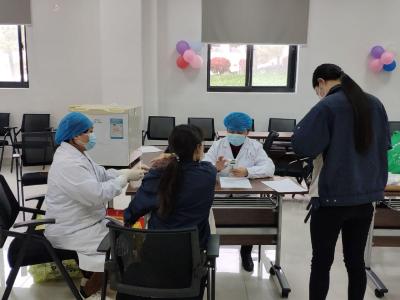 竹山县疫苗接种进园区