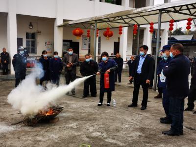 我县农村福利院开展消防应急演练
