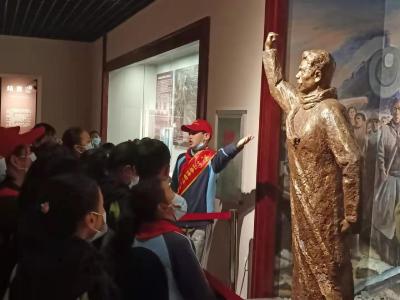 我县未成年人志愿服务走进博物馆