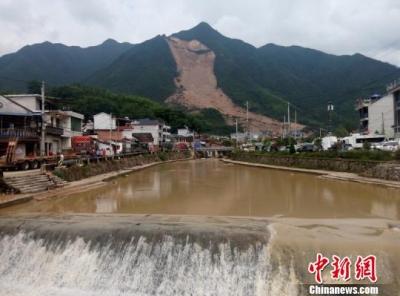 浙江遂昌山体滑坡遇难人数上升至10人 仍有17人失联