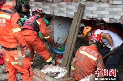 浙江遂昌山体滑坡遇难人数上升至15人 仍有12人失联