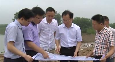 邓应军指导松滋市美丽乡村和防汛工作 要落实责任
