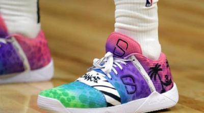 """NBA开放""""球鞋颜色禁令"""",球员们学会了用脚讲故事"""