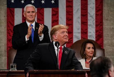 """特朗普发表国情咨文:呼吁两党合作,强调建""""边境墙"""""""