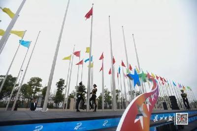 全球瞩目!武汉军运村开村,迎来第一批重量级客人,这个瞬间太震撼了