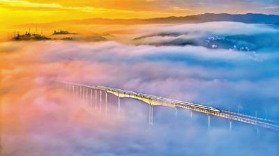 """逢山开路 遇水架桥 """"中国桥梁""""成为闪亮名片"""