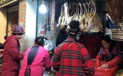 """受肉价影响 今年冬季荆州香肠生意有点""""冷"""""""