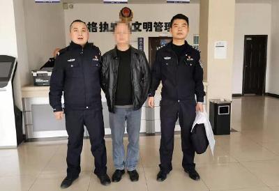 老赖拖欠工资 江陵警方为群众追回近3万元欠薪