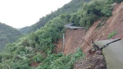 松滋市卸甲坪遭受强降雨 7000多人受灾