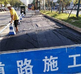 荆州68条道路纳入城市道路维修计划