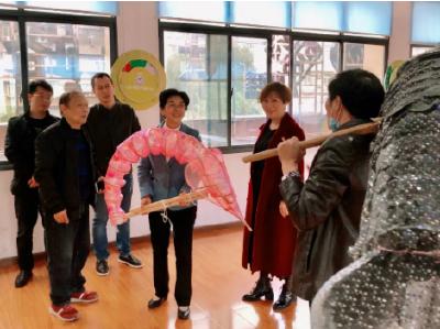 云上沙市区 | 刘辉萍调研沙市区非遗在社区工作