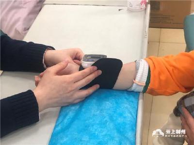 荆州市民踊跃接种新冠疫苗