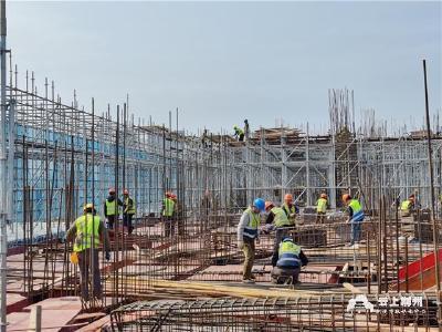 24小时抢进度赶工期  荆州市民之家建设如火如荼