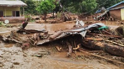 印尼东努沙登加拉省山体滑坡死亡人数上升至128人
