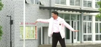 教育局局长为学生跳霹雳舞,全场沸了