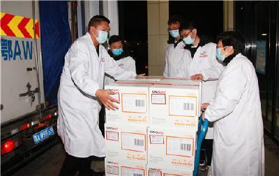 及时配送新冠疫苗 满足群众接种需求