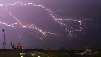 印度西孟加拉邦发生雷雨天气,一天内至少27人遭雷击致死!