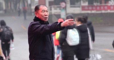 十五年了!荆州这位警察,每天五点四十一分起床,只为了......