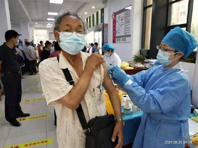 荆州开发区:不漏一户 不少一人,完成12岁以上疫苗接种清零工作