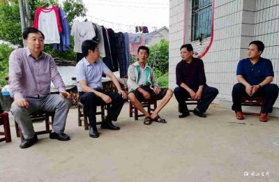 """宜昌市政协来我市开展""""委员助力脱贫攻坚""""大走访"""