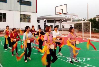 响水洞村:饭后一支舞 健康又欢乐!