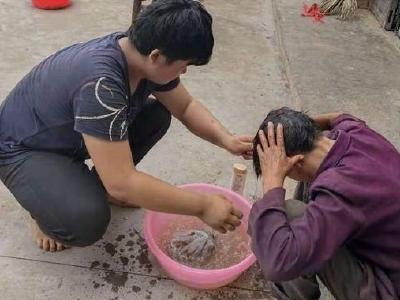 【新时代文明实践在宜都】 金岗岭村:理发服务送上门 志愿服务暖人心
