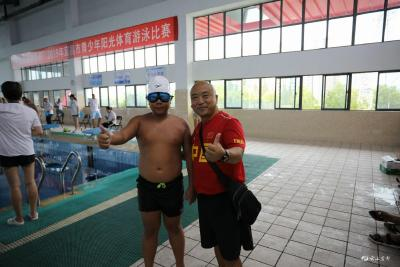 市少儿体校游泳队赴宜昌参赛 获团体第一