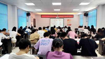 """陆城:汉字书写大赛迎""""七夕"""""""