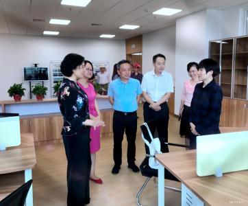 """余红岚:扎实推进双中心试点建设 打通服务群众""""最后一公里"""""""