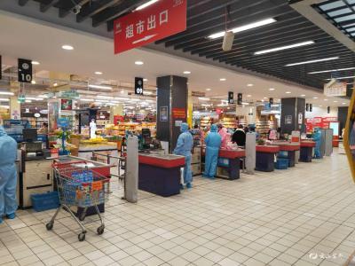 做好加减法 超市防控供应两不误