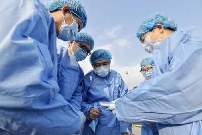 """武汉回应""""医生感染工伤认定"""":医护一线岗位或普通岗位均算工伤"""