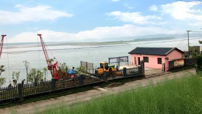 宜都港区垃圾转运码头投入使用