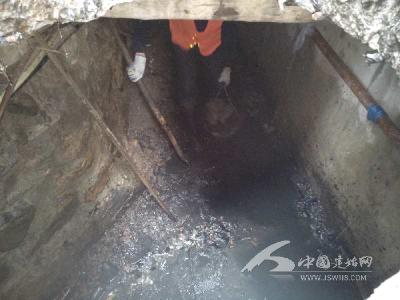 县园林局:及时疏通堵塞管道 改善居民生活环境
