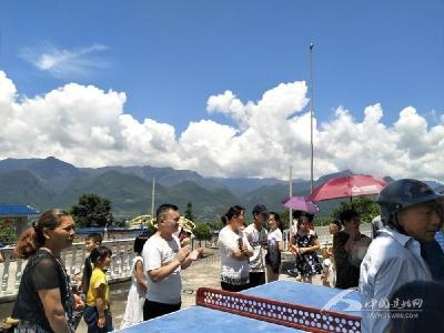 多支大学生实践活动服务队活跃在建始城乡