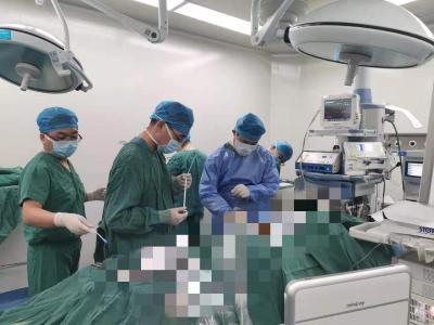 建始县人民医院成功开展微通道经皮肾镜输尿管结石钬激光碎石术