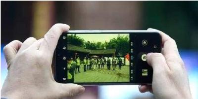 """手机将成新农具 湖北全力打造""""农民网红"""""""