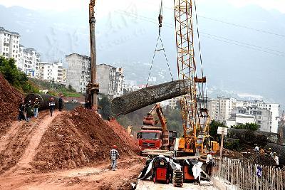 巴东县神农新区清溪路接线工程建设忙