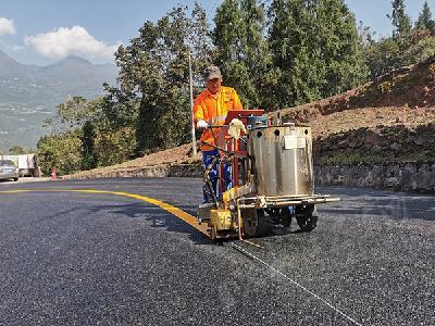"""迎""""国评""""提水平 巴东高质量推进公路养护工作"""