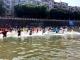 今天宣恩人全民穿越  贡水河捉鱼嗨翻天