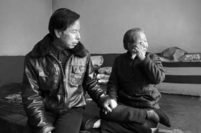 """中国""""慰安妇""""老人背后的守护者: 为让日本道歉 他们拼命努力"""