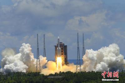 """天问一号探测器成功发射 火星终迎""""中国来客"""""""