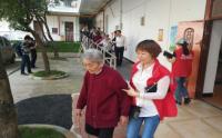 西山坡社区消防演练走进养老院