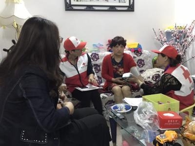 """鄂州心泉红十字志愿服务队开展""""爱您·老人""""活动"""