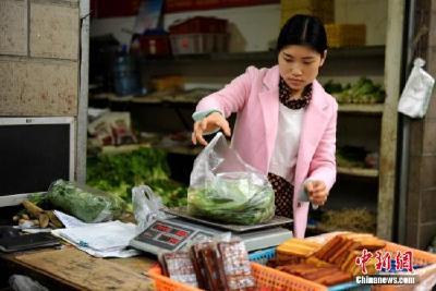 农业部:国内猪肉价格持平略降 蔬菜均价小幅上涨