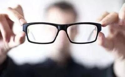 这些不良习惯可能导致近视!专家给出的这些招简单实用~~