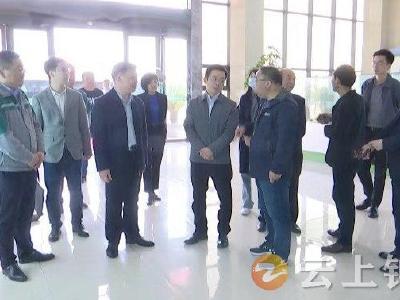 李文震在钟祥调研包联企业