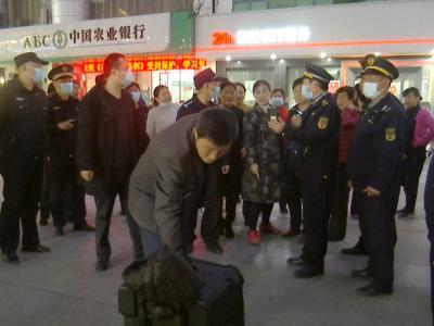 噪音不得高于60分贝  钟祥市城管执法局对阳春广场噪音污染进行专项整治