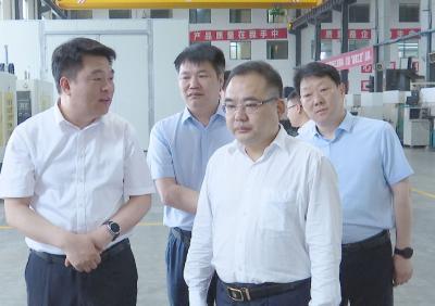 周军带队赴南昌、上海招商 考察中基控股、上海金塔等企业